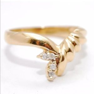 Romanza 14k Yellow Gold Diamond Pointed Tiara Ring